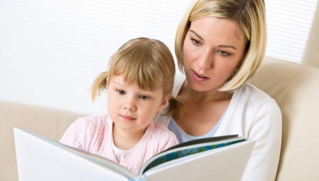 dziecko, mama, nauka czytania, czytać, książka