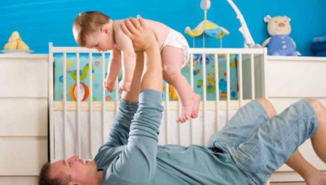 tata, tata i dziecko, tata i niemowlę, ojcostwo