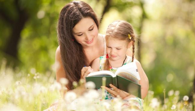 baśnie dla dzieci, książki dla dzieci, czytanie dziecku, mama z dzieckiem