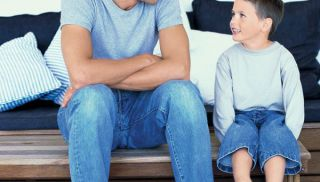 tata. maluch, dziecko, rozmowa, słuchać