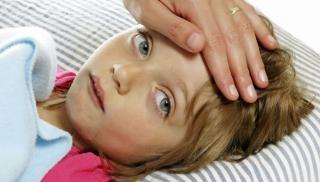 Dziecko chorujące na szkarlatynę