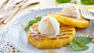 Przepis na ananasa z lodami