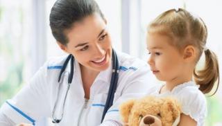 Dziewczynka z owsikami u lekarza